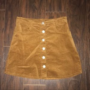 Brandy Melville Khaki colored skirt